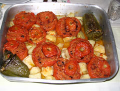 Stuffed tomatoes with octopus